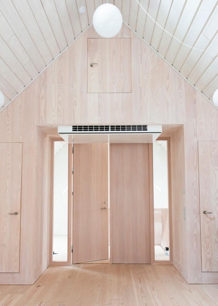 Douglastræs døre til Løvenholm Gods' renovering